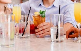 בר אלכוהול להשקות